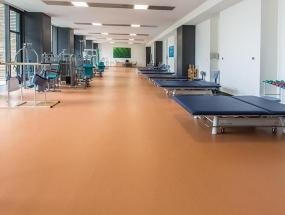 橡胶地板是适合地热地暖的地板