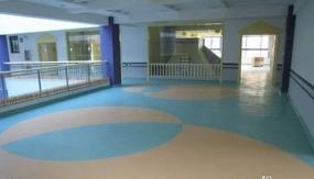 塑胶地板的保养方法