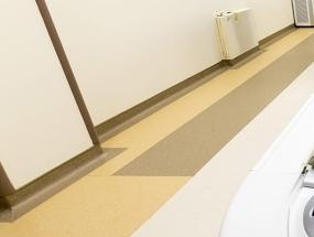 PVC塑胶地板是怎么在墙上安装的?
